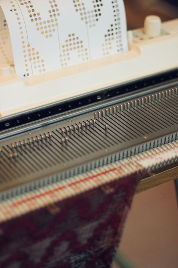Art Equals Happy Learning Knitting Machine